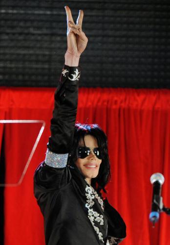 Michael_Jackson_announces_summer_tour